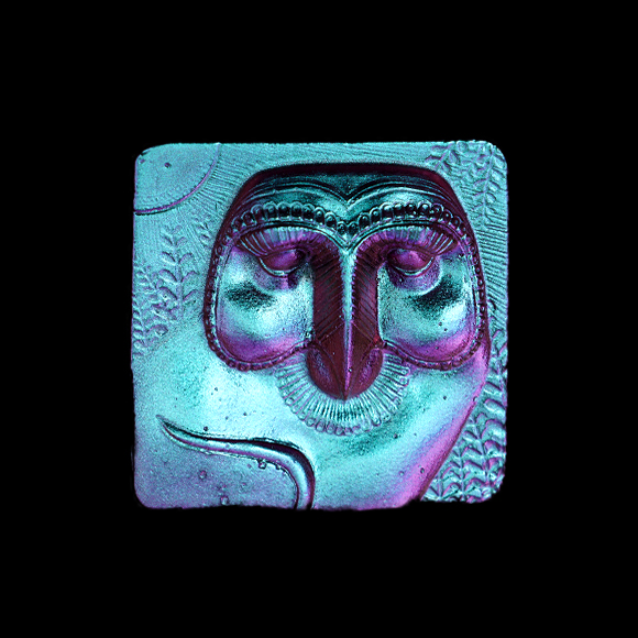 Cast Glass / Egyptian Owl / Colorshift / 3.2""